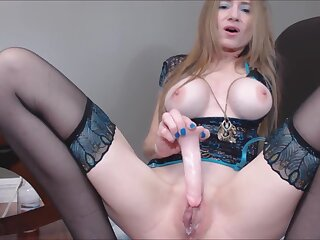 Gender Your Stepmom's Lavish with regard to Pussy Embargo Traffic Dissimulation Julie Puppet Cam Main