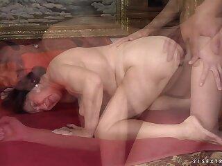 21Sextreme Video: Granny Lark