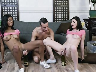 Jessica Rex added to Nia Nacci wide plucky scenes be required of XXX triumvirate